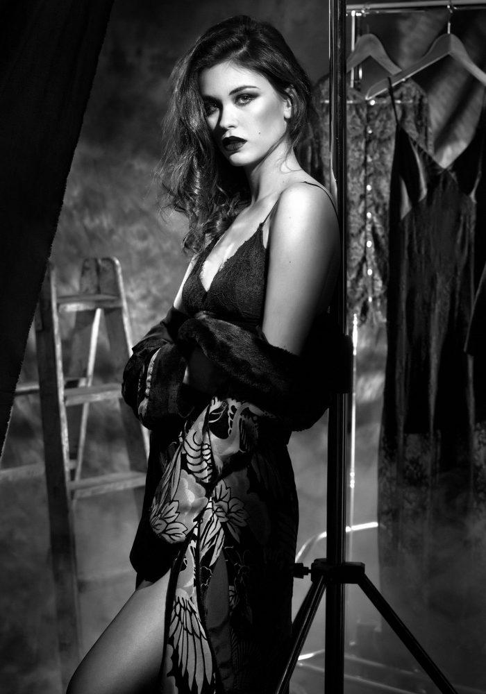Y de repente Ella ... Clara Chain photo #moifernandez makeup #silviagil